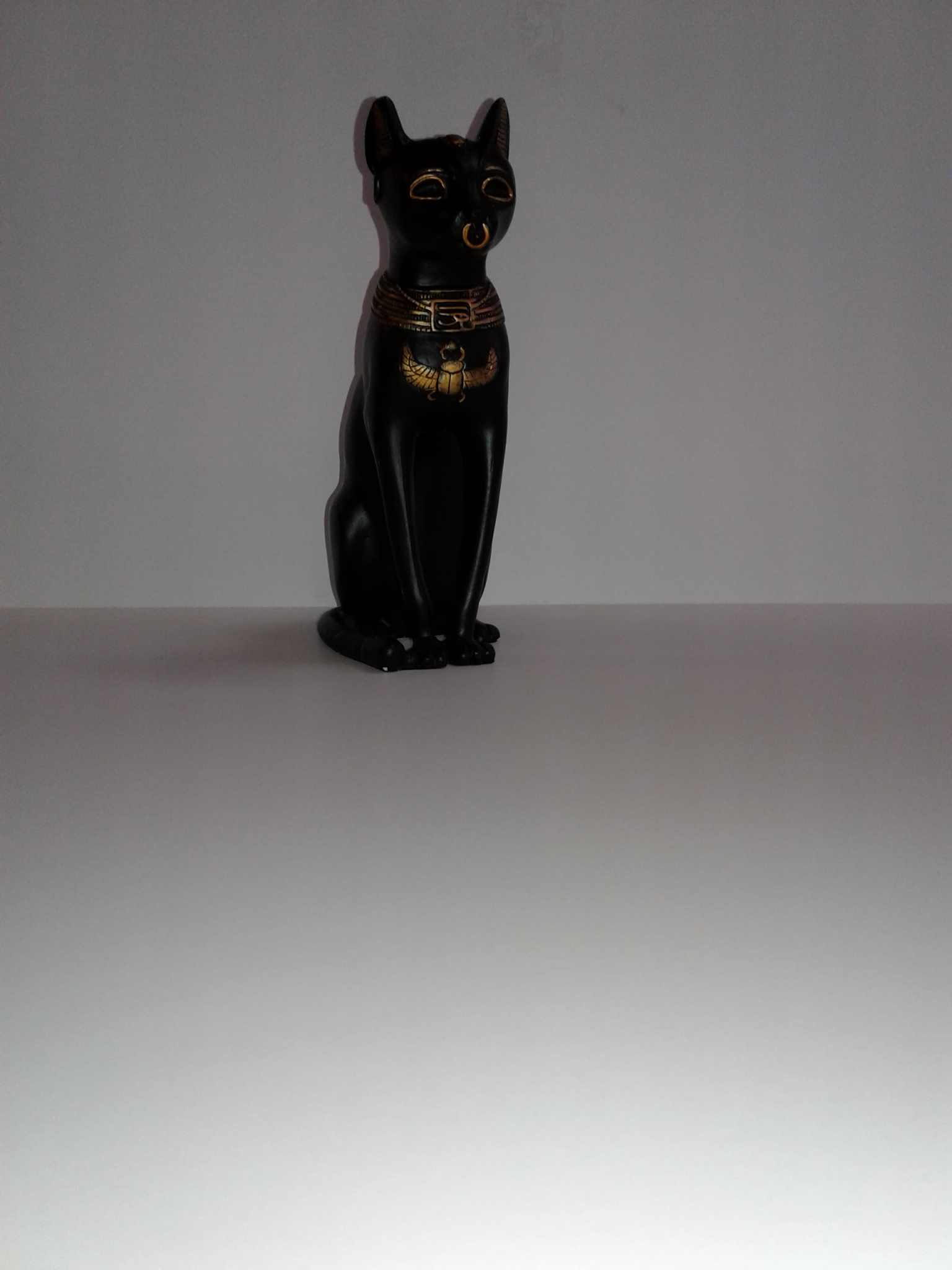 Medium Bastet